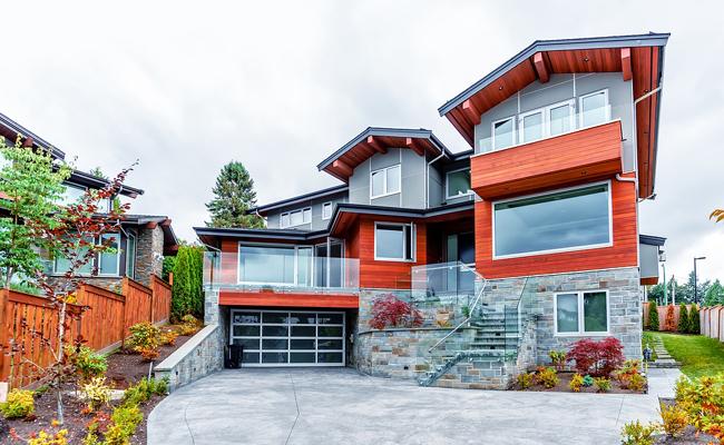 Nombreuses fenêtre sur une maison. Comment les choisir ?