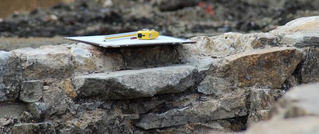 monter un mur en pierres