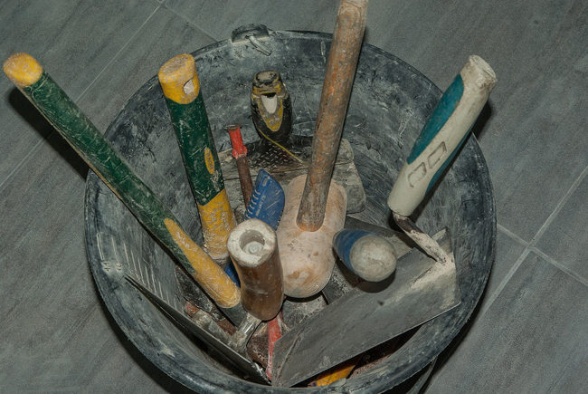 outils nécessaires pour construire mur en pierres