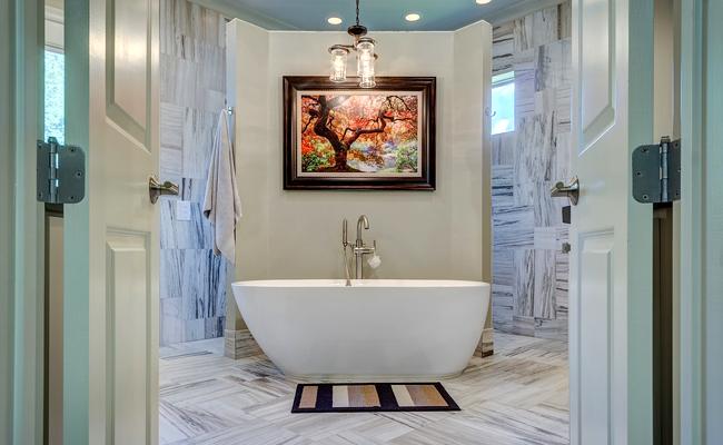 Quelle baignoire choisir pour sa salle de bain, en rénovation ou neuf ?