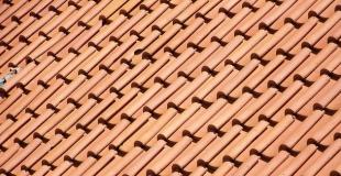 Toiture en tuiles : conseils et prix au m² en rénovation et en neuf