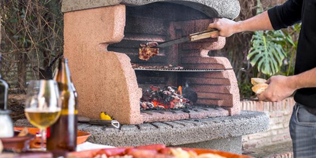 Construire un barbecue en dur ou opter pour un barbecue type Weber ?