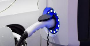 Peut-on installer soi-même une borne de recharge ?