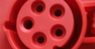 Qu'est-ce qu'une prise triphasée, comment l'installer ?